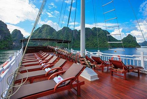 viola-cruise-halong-bay