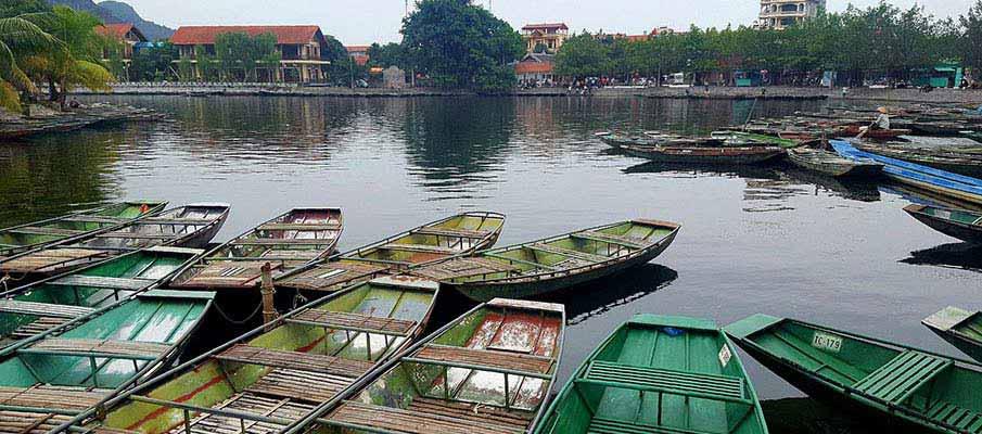 tam-coc-boat-ninh-binh-vietnam