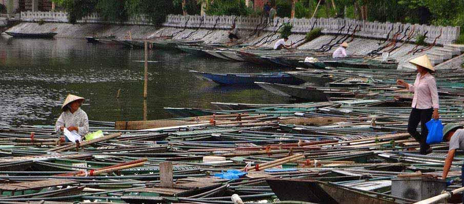 tam-coc-boat-ninh-binh-vietnam1