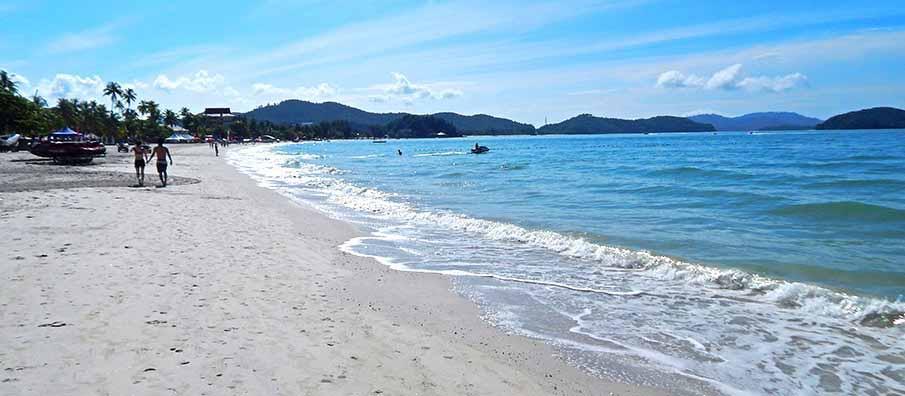 langkawi-cenang-beach1
