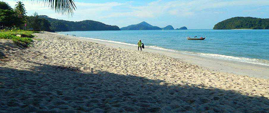 malaysia-langkawi-beach
