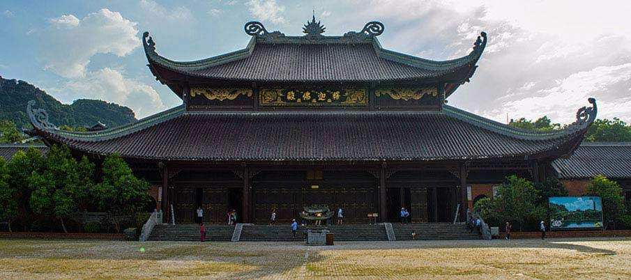 bai-dinh-temple-ninh-binh