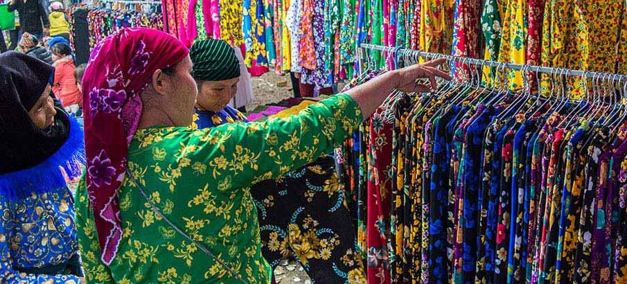 ethnic-market-ha-giang-vietnam