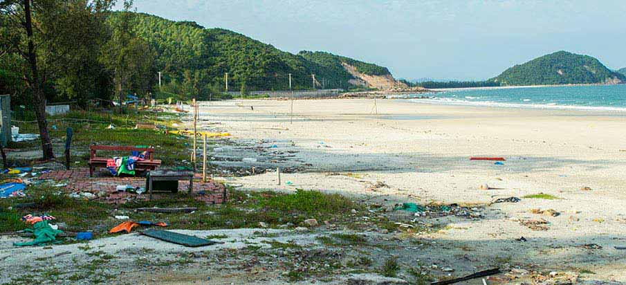minh-chau-beach-quan-lan-island