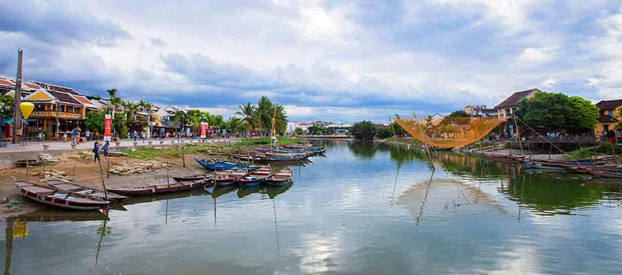 hoi-an-river-vietnam