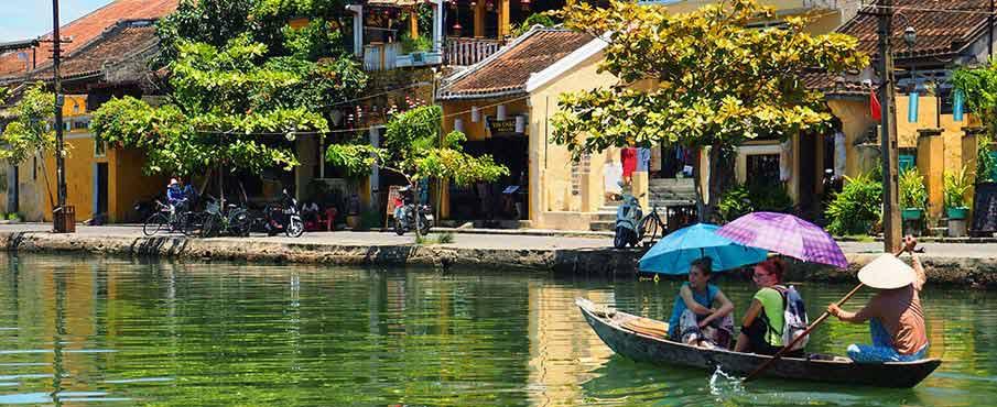 hoi-an-tourist-boat