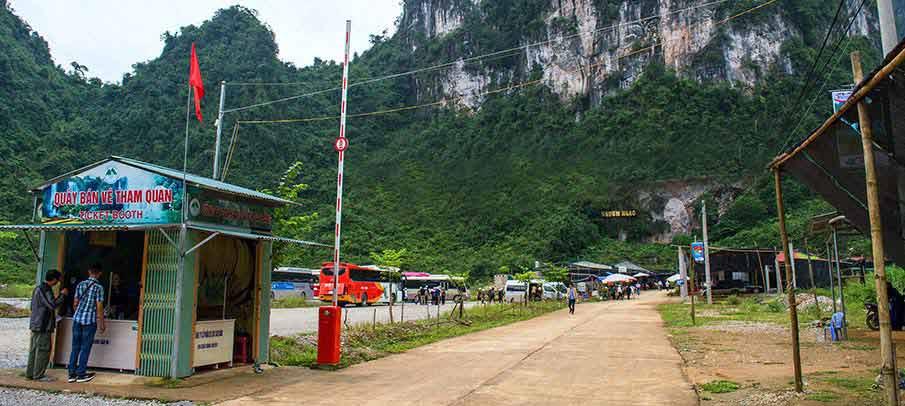 nguom-ngao-cave-parking