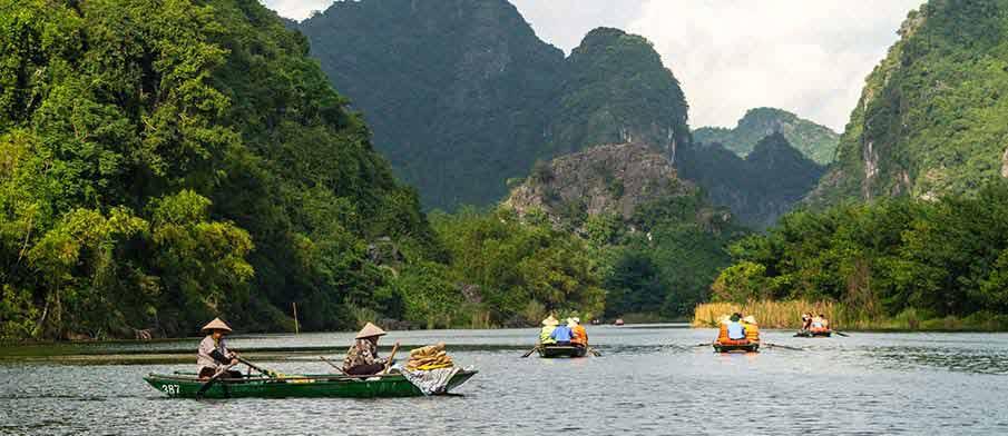 trang-an-landscape-complex-boats