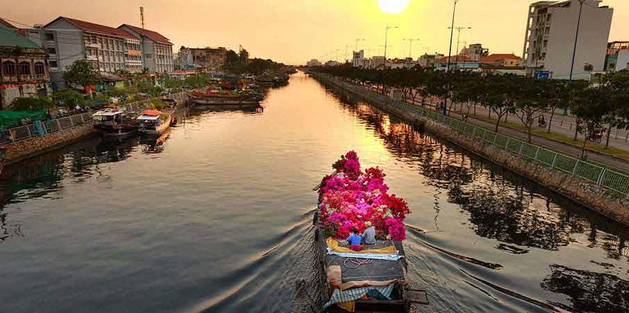 ho-chi-minh-city-boat-river
