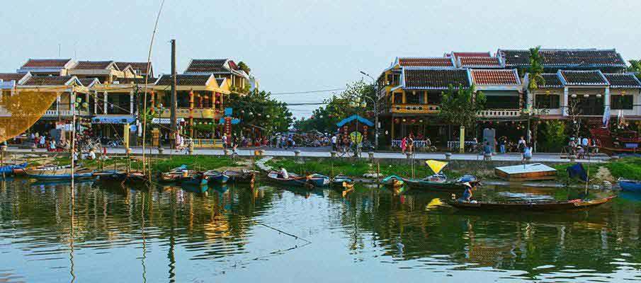 hoi-an-river-tourists-vietnam