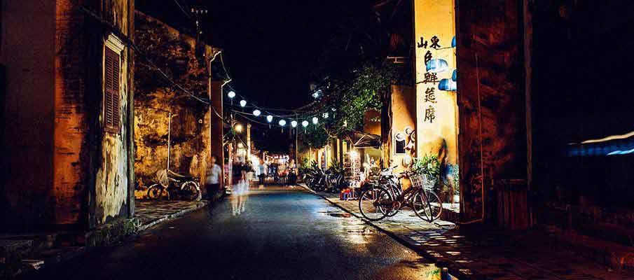 hoi-an-street-night-vietnam