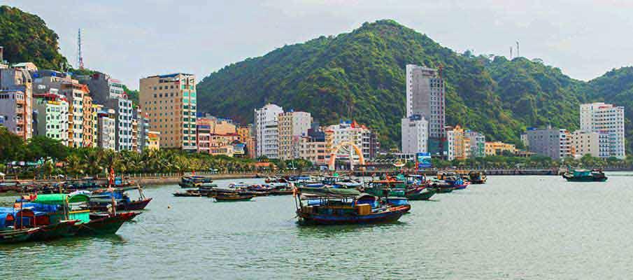 cat-ba-town-island-vietnam