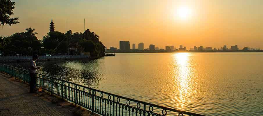 hanoi-tran-quoc-pagoda-west-lake