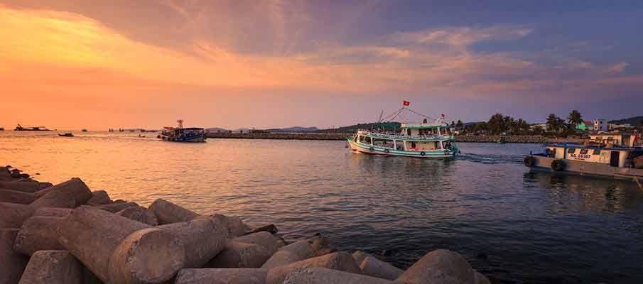 phu-quoc-island-vietnam-boats