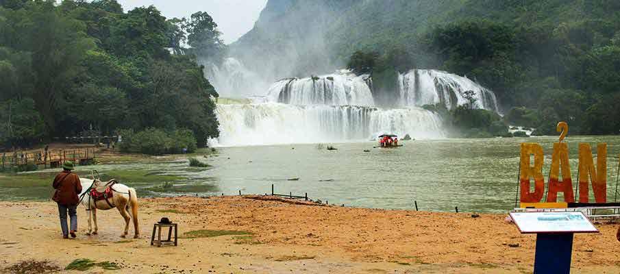 ban-gioc-waterfall-attraction