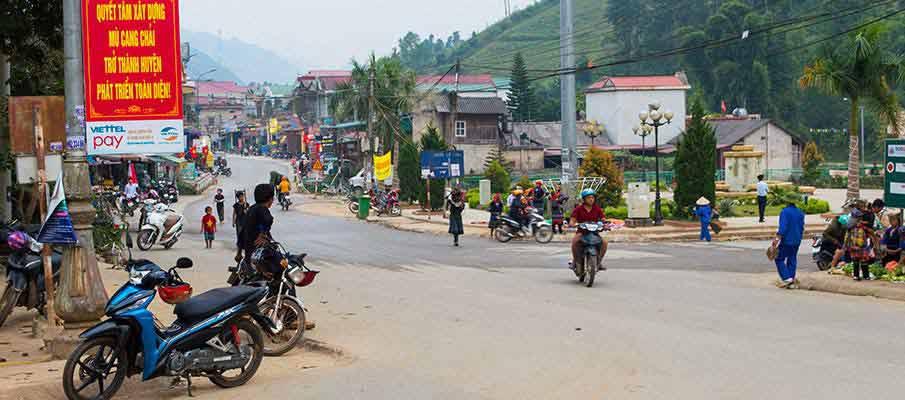 mu-cang-chai-town-vietnam