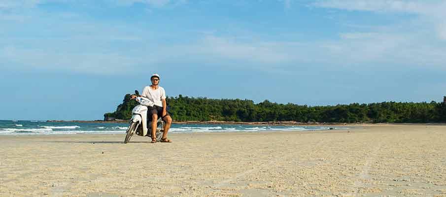 quan-lan-minh-chau-beach