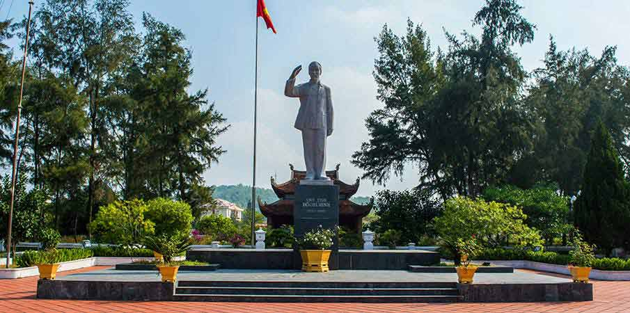 co-to-island-ho-chi-minh-monument