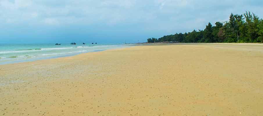 co-to-island-van-chay-beach