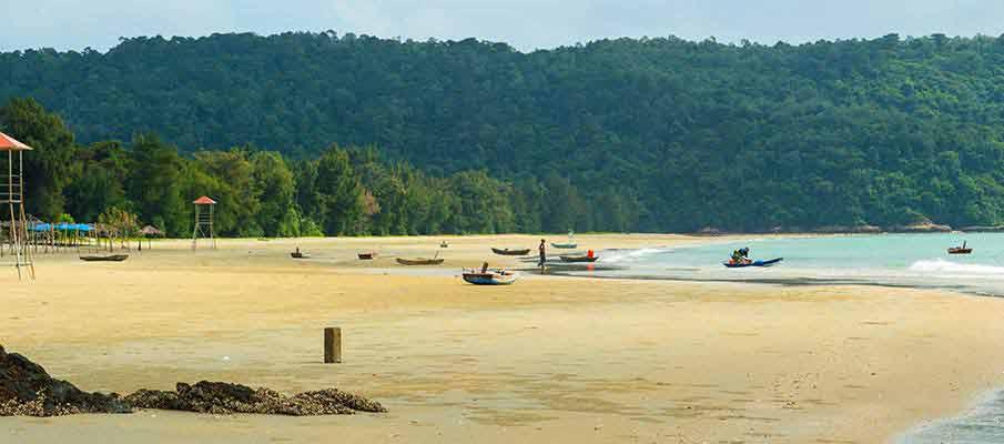co-to-island-van-chay-beach1