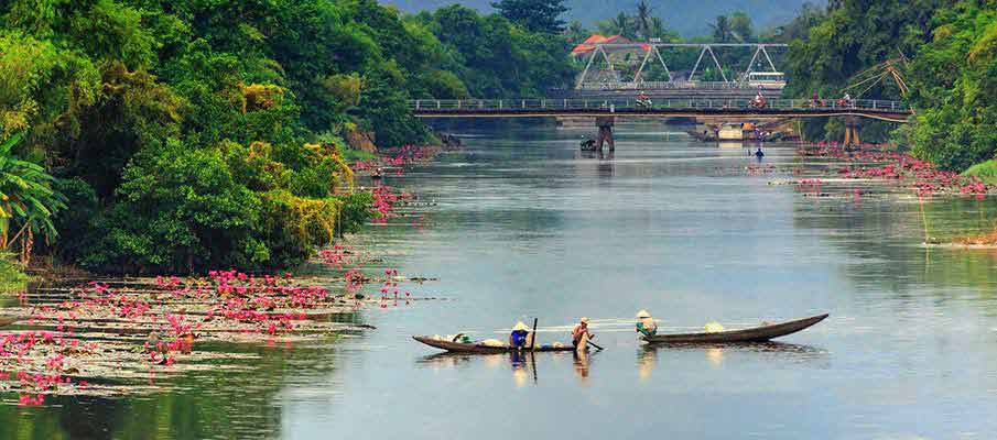hue-river-boat-vietnam
