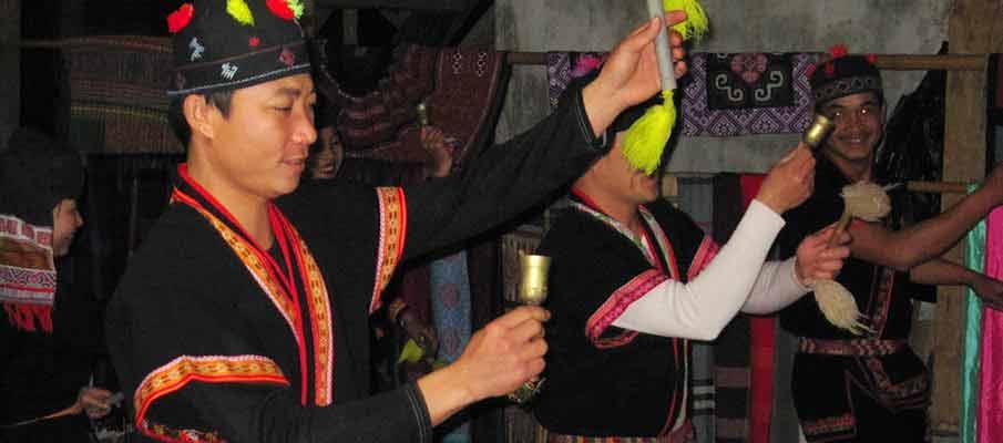 mai-chau-vietnam-dance