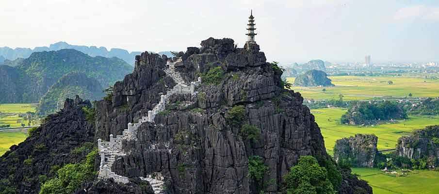 hang-mua-caves-ninh-binh-vietnam