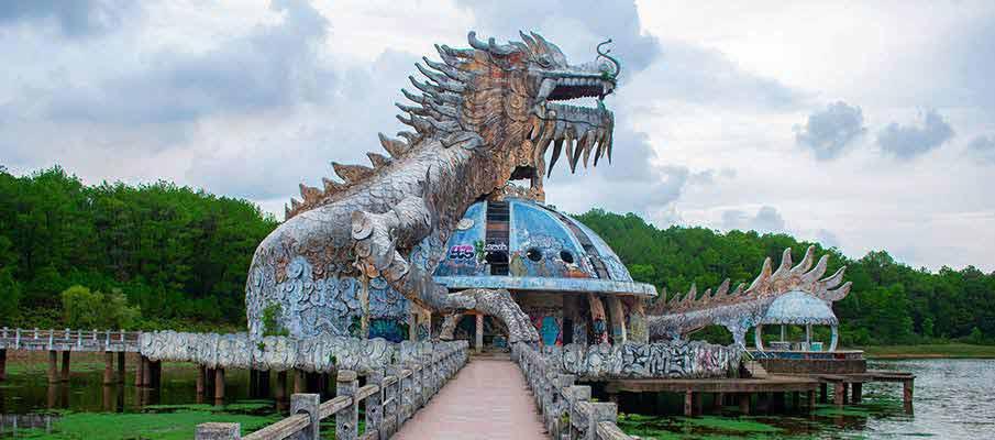 abandoned-water-park-hue-vietnam