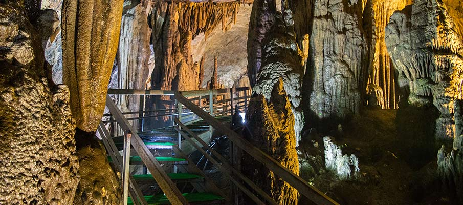 lung-khuy-cave-ha-giang