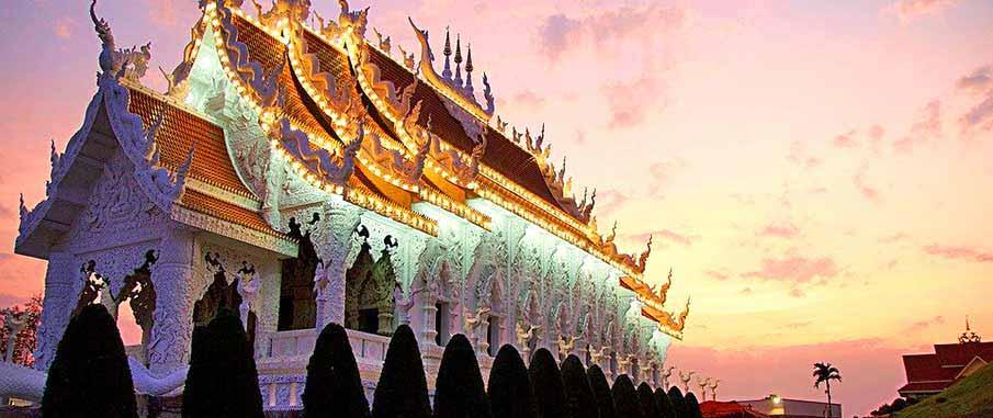 chiang-rai-temple-thailand