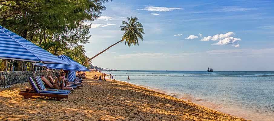 phu-quoc-tourist-beach-vietnam