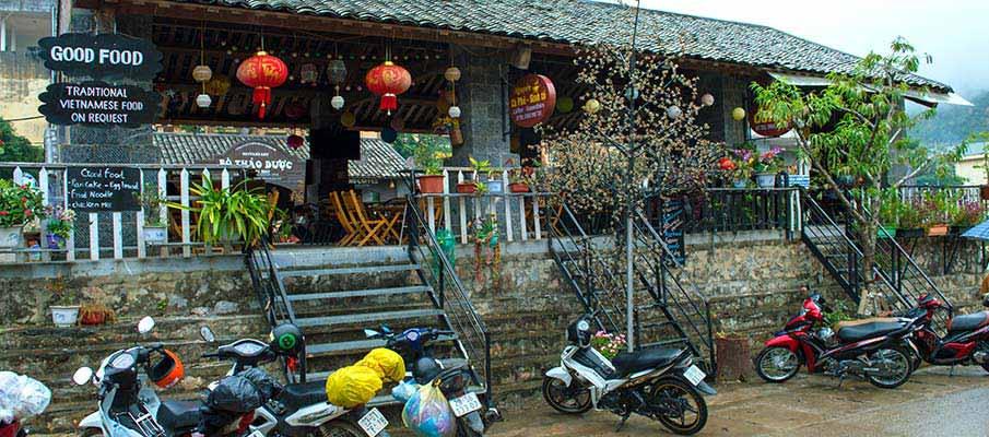 dong-van-town-ha-giang-vietnam