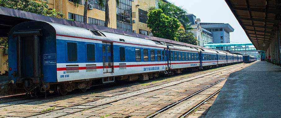 Train from Hanoi to Thanh Hoa