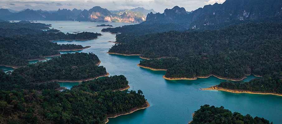 khao-sok-national-park-lake