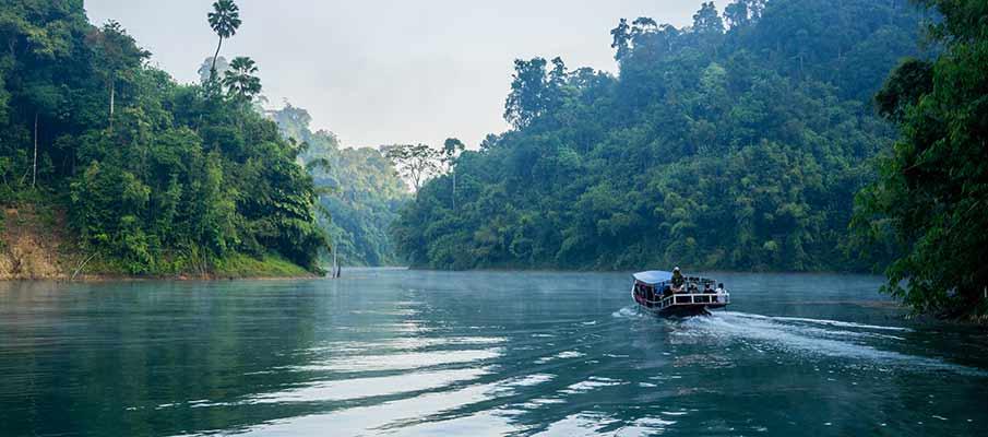 khao-sok-tourist-boat-thailand