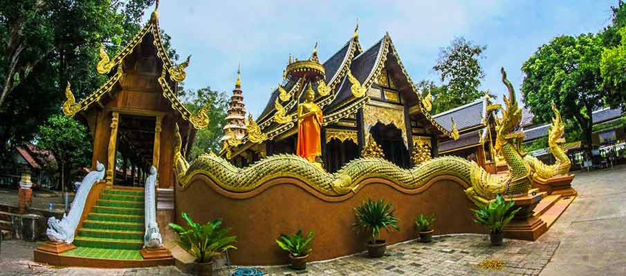 wat-in-chiang-mai-thailand