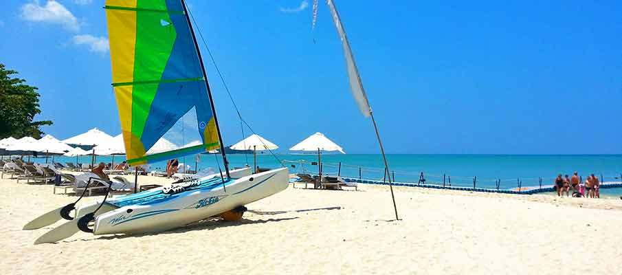 beach-boat-khao-lak