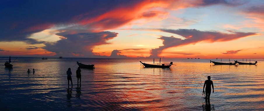 koh-tao-boats-sunset