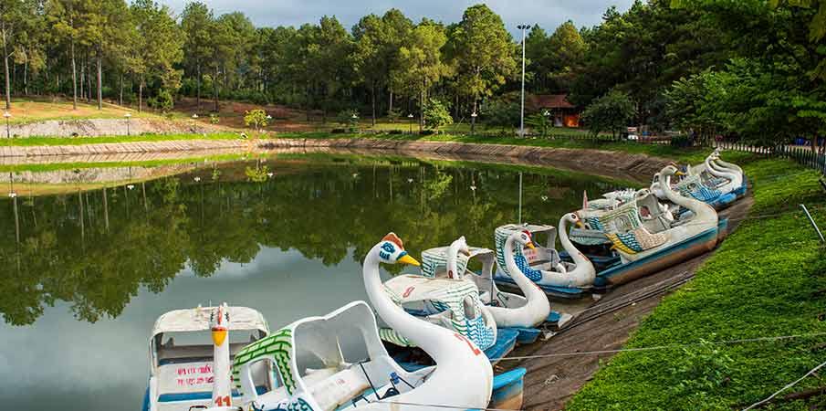 ban-ang-lake-phoenix-resort-moc-chau2