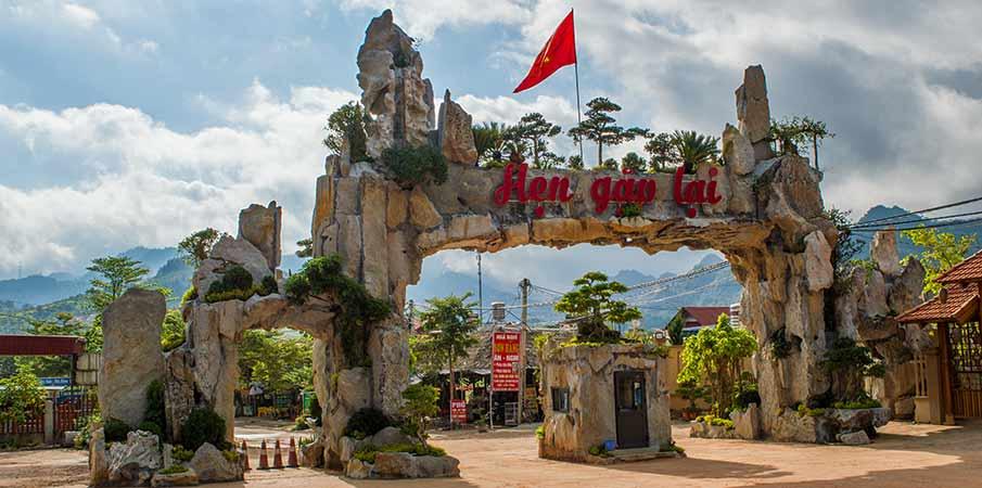ban-ang-phoenix-resort-moc-chau
