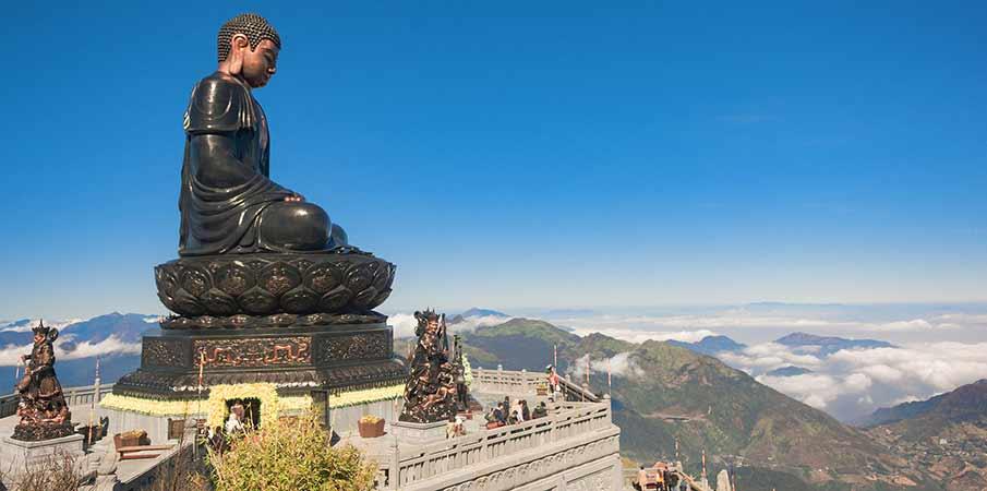 fansipan-sitting-buddha-statue-sapa