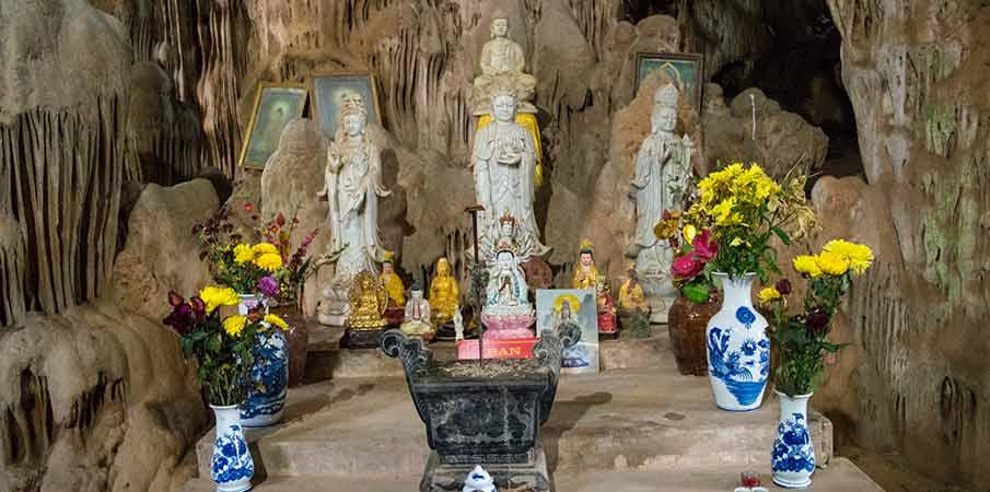 hang-doi-cave-son-la-vietnam