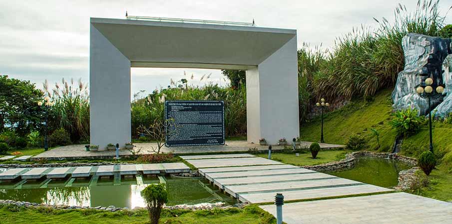 lam-vien-tay-tien-monument1-moc-chau