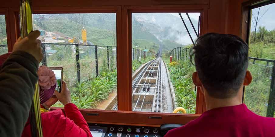 mountain-train-muong-hoa-to-sapa