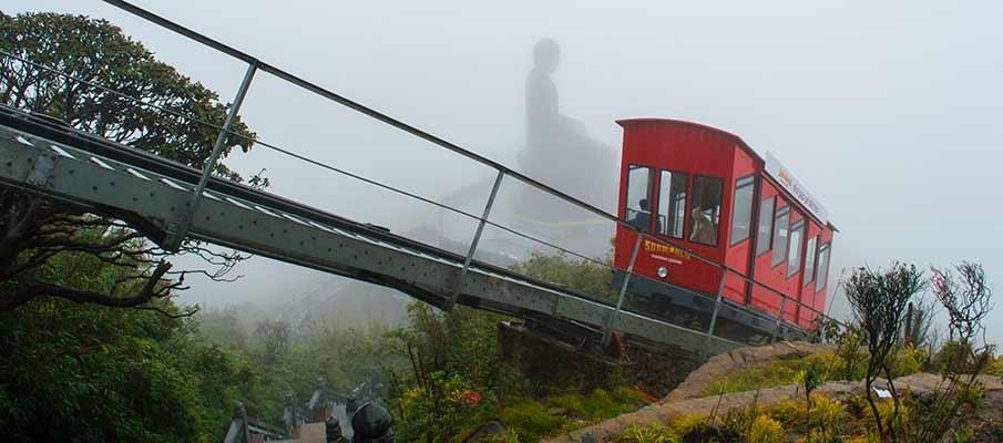 train-do-quyen-station-fansipan-mountain