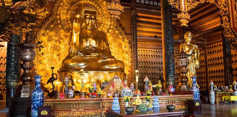 bai-dinh-pagoda-gold-buddha-ninh-binh
