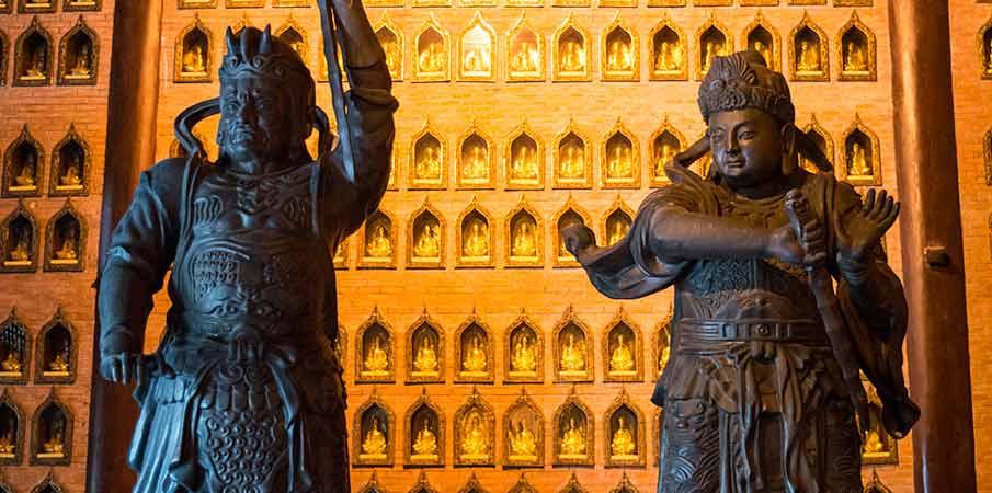 bai-dinh-pagoda-statues-ninh-binh-vietnam