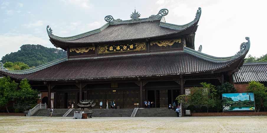 bai-dinh-pagoda-temple-ninh-binh