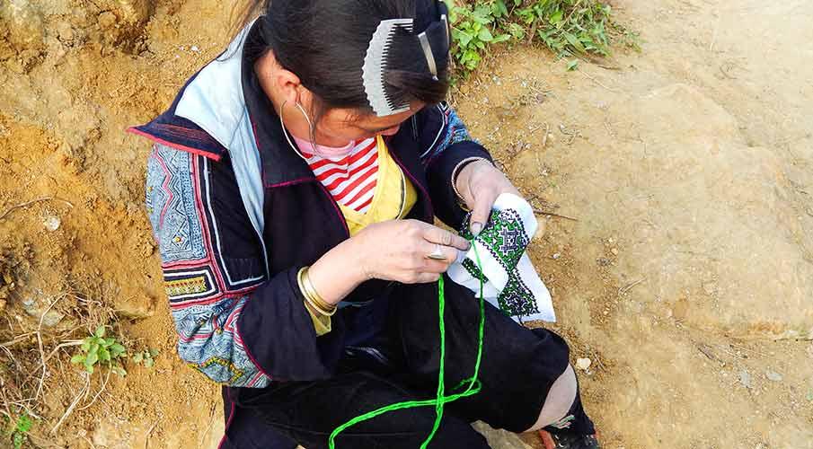 black-hmong-sapa-muong-hoa-valley