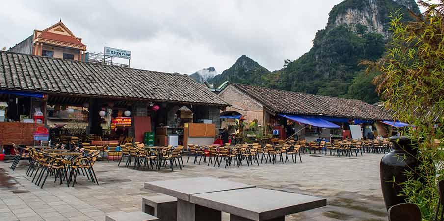 dong-van-ancient-town-square-ha-giang
